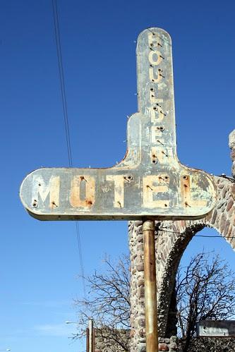 boulder motel neon sign