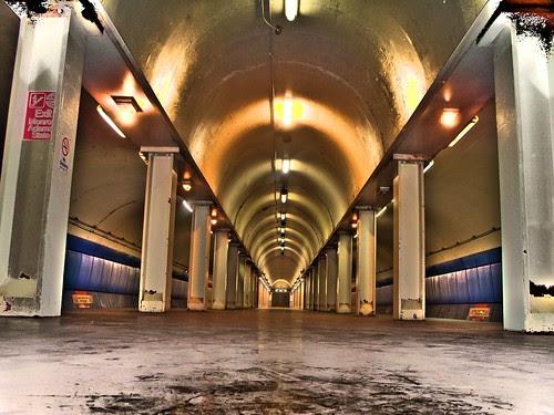 ( hdr 205 Chicago ) CTA Red Line Station Monroe
