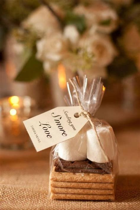 18 Edible Wedding Favors Your Guests Will Gobble Up
