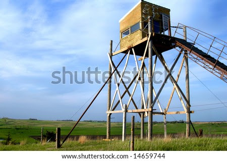 All-Inclusive Deer Hunting Stand Has Beautiful View Of South ...