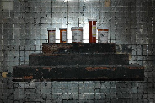 leos mantle with medications 2 web