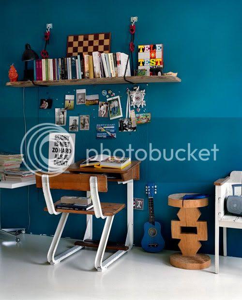 kid office in blue