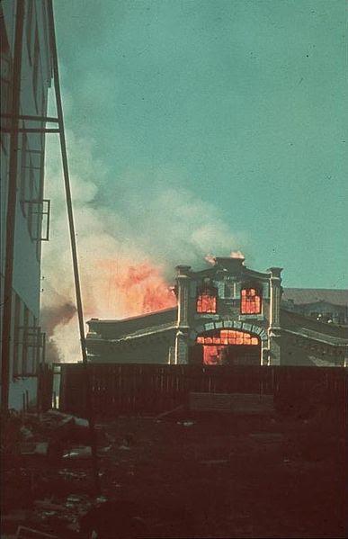 File:Bundesarchiv Bild 169-0900, Russland, brennende Häuser.jpg