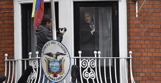 Julian Assange, cuatro años 'detenido' en la embajada ecuatoriana en Londres. REUTERS