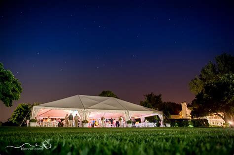 Delaware Wedding Photographer, Blonnie, serves