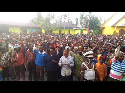 Video Ribuan Rakyat Papua Di Timika Menolak Aneksasi 1 Mei 1963