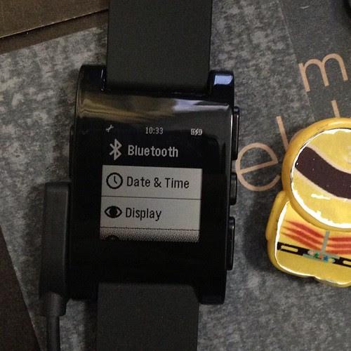 設定画面、その1。Bluetoothでは機内モードに変更できます。
