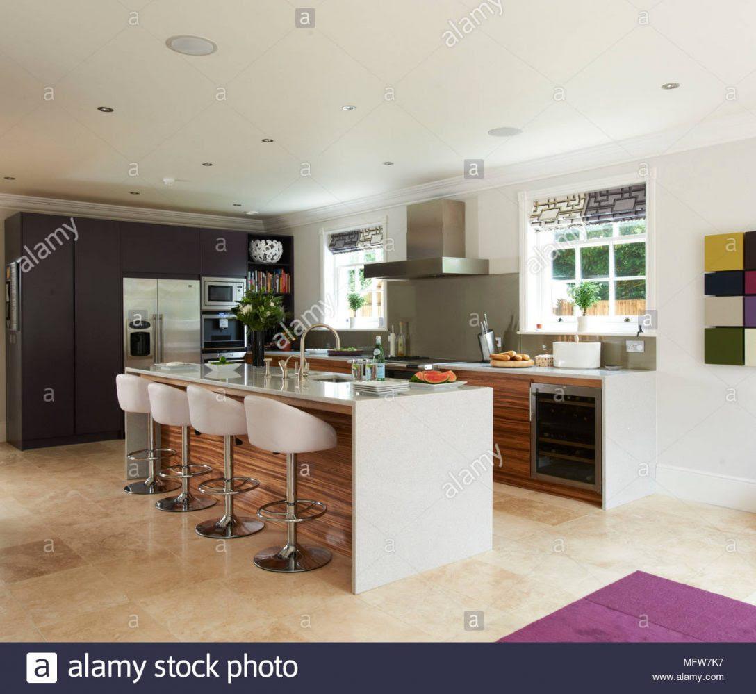 Verschiebbare Theke Küche Beton Glas Tiefe Raffrollo ...