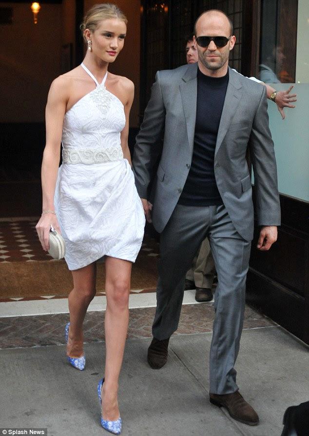 Her zamankinden daha mutlu: Rosie son birkaç yıldır İngiliz aktör Jason Statham ile çıkıyor ve ona aşık olan bir aile kurmak için heyecanlı