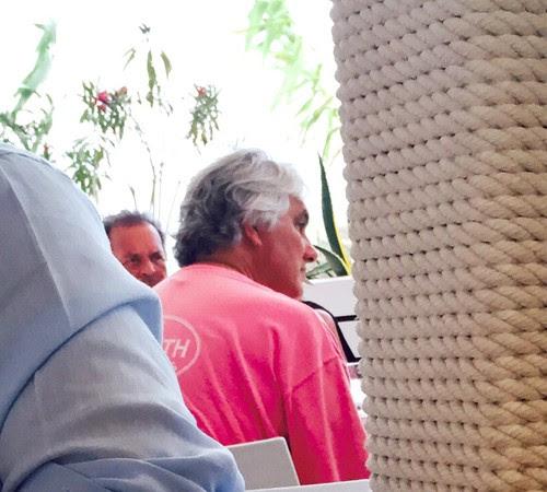 Delcídio do Amaral - senador petista almoça em restaurante espanhol  (Foto: Reprodução )