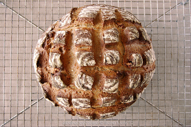 Pan de nueces con masa madre
