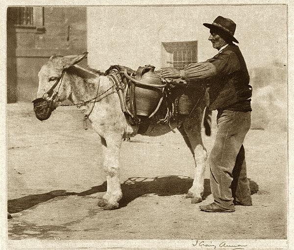 Aguador en Toledo. Foto del escocés James Craig Annan en 1914. The Metropolitan Museum of Art, New York