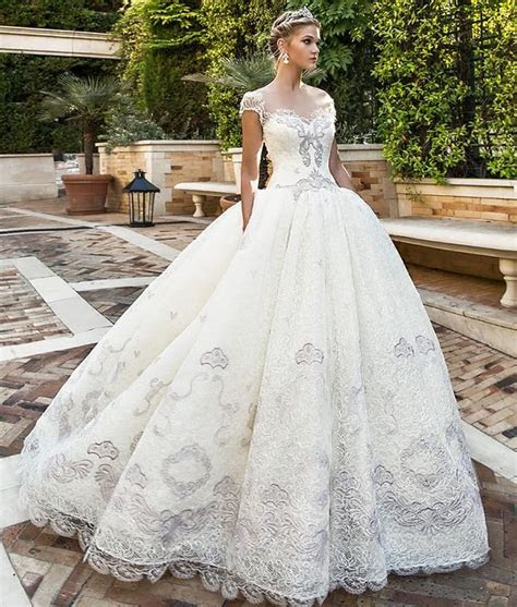 18 Different Types of Wedding Dresses Every Bridal Need to