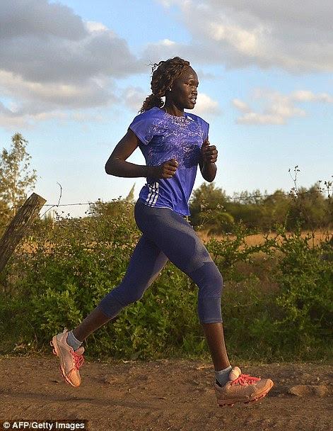Rose Nathike Lokonyen (à direita), Sudão do Sul, atletismo, 800m