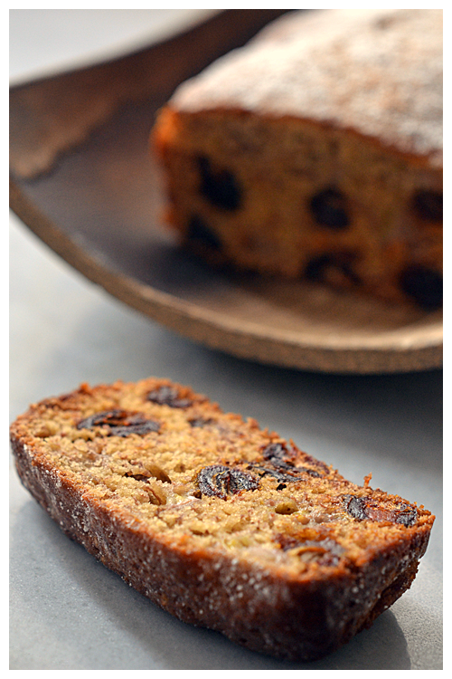 banana and date bread© by Haalo