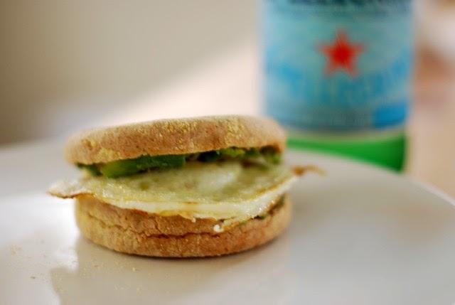 Sterling Style: Fried Egg & Avocado Sandwich