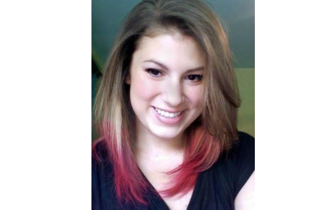 As pontinhas do cabelo vermelho dão um efeito incrível