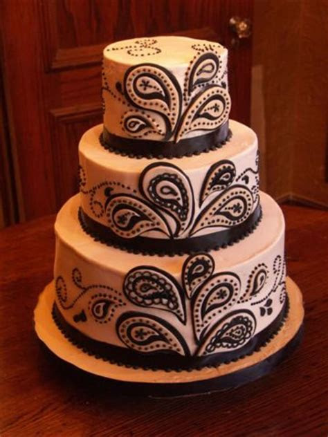 Ivory & Black Paisley Wedding Cake   CakeCentral.com