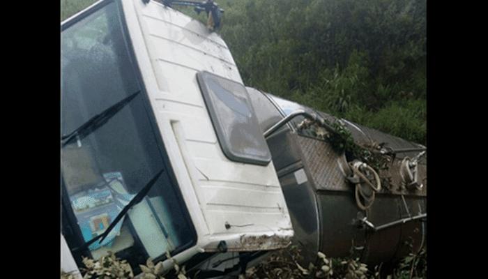 Laranjeiras - Acidente com caminhão de laticínio é registrado na BR 158