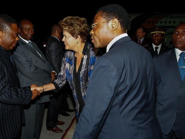Presidente Dilma Rousseff chega a GUiné Equatorial para participar da 3ª Cúpula de Chefes de Estado e de Governo América do Sul-África (ASA) (Foto: Roberto Stuckert Filho/PR)