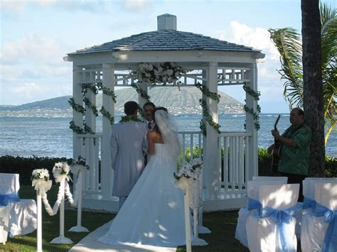 ynepukoka: church wedding arches