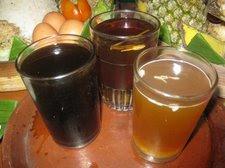 Minuman-klasik-masyarakat-Jawa-antara-lain-teh-dan-manisan-jamu