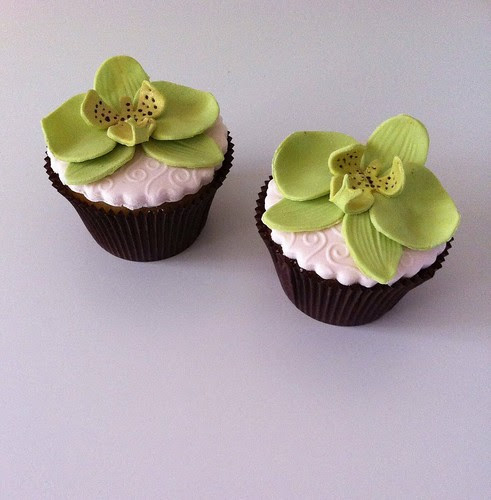 Orchid cupcake