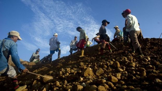 Late Update :Myanmar mine landslide 'kills 90'