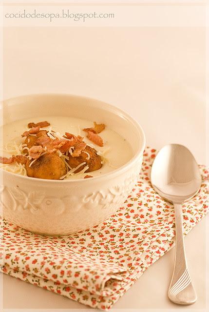 Crema de patata con albondiguillas pan_2