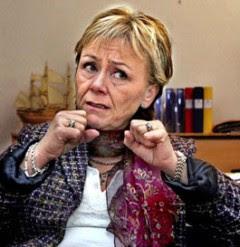 Justitieminister Beatrice Ask slår till