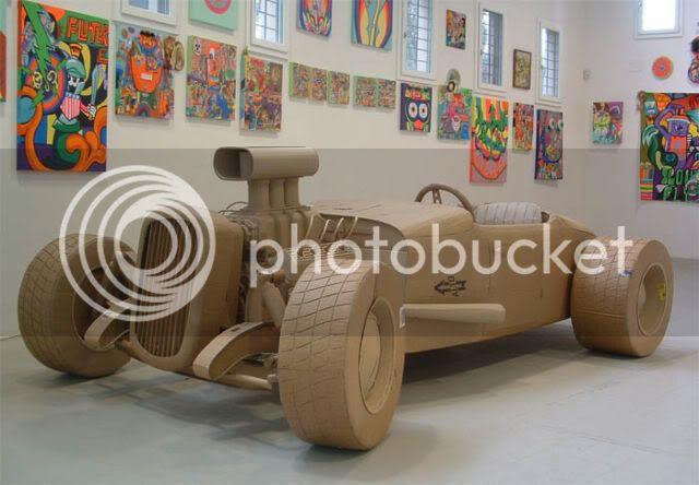 http://i1127.photobucket.com/albums/l624/jexgill/astonishing_cardboard_sculptures_64-7.jpg