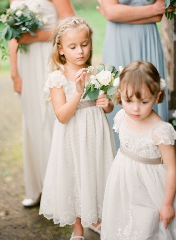 flower girl dress. Vintage twist. @Christie Moffatt Nesbitt