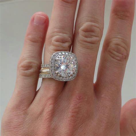Peaches Geldof flaunts diamond ring after belated Tom