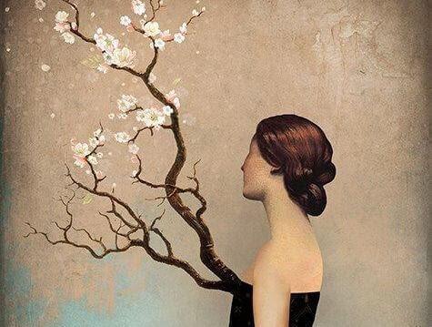Femme-regardant-un-arbre