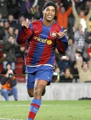 Celebração habitual de Ronaldinho