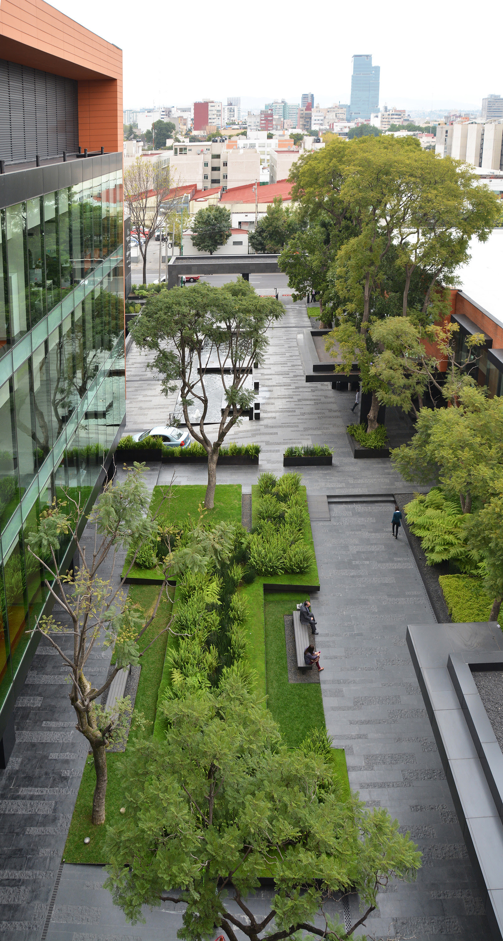 dlc_coyoacan_corporate_campus_01_daylight_112913