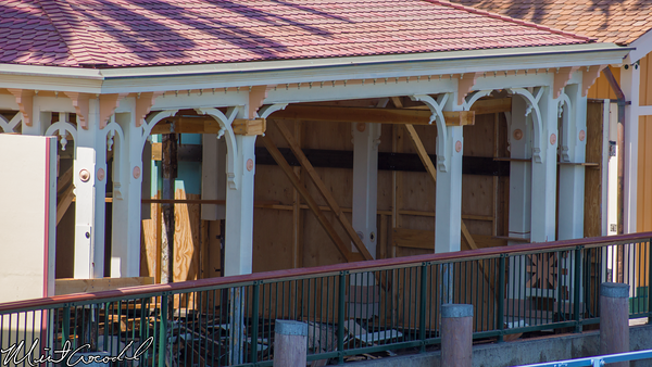 Disneyland Resort, Paradise Pier, Toy Story Midway Mania, Queue, Structure