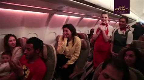 Best Wedding Proposal Ever!! (on a plane)   YouTube