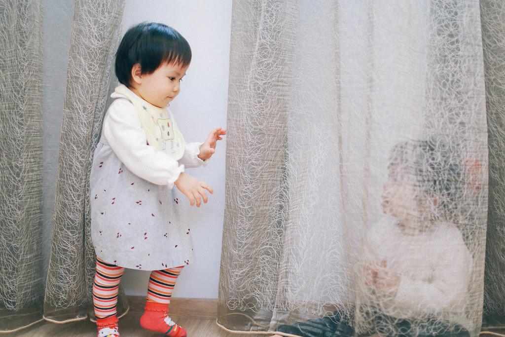 躲窗簾的遊戲