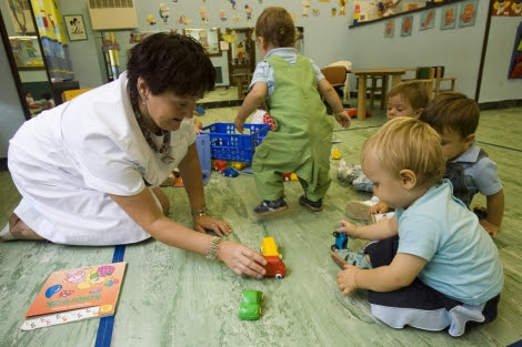 Padres y maestros deben establecer relaciones morales con el niño desde el principio. | Mitxi