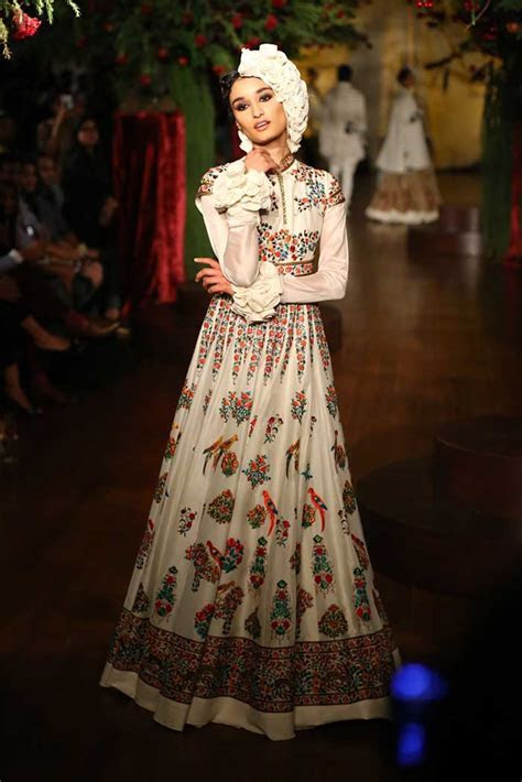 Sangeet Outfits 2016: Best Designer Indian Outfits for Dance