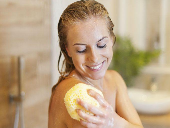 ¿Cada cuánto hay que cambiar la esponja del baño?