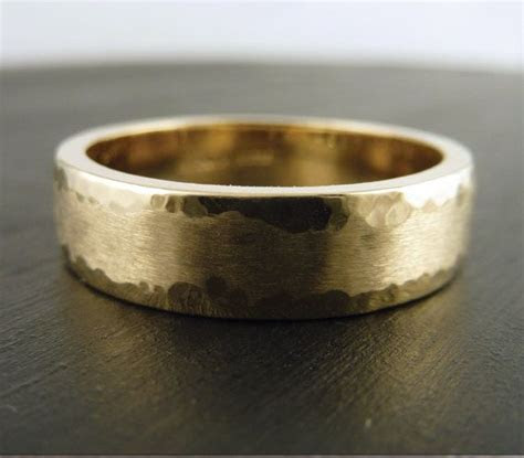 Size 8.75   Gold Wedding Band Ring 14k Yellow   Hammered