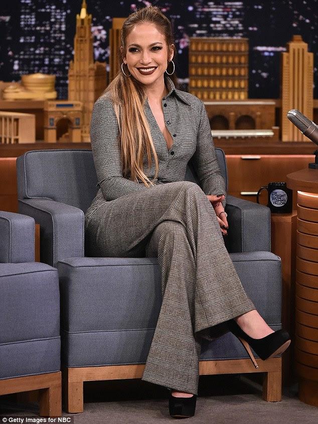 Bronx nativo: Jennifer Lopez se apresentou em uma batalha de dança na quarta-feira durante uma aparição no The Tonight Show em Nova York