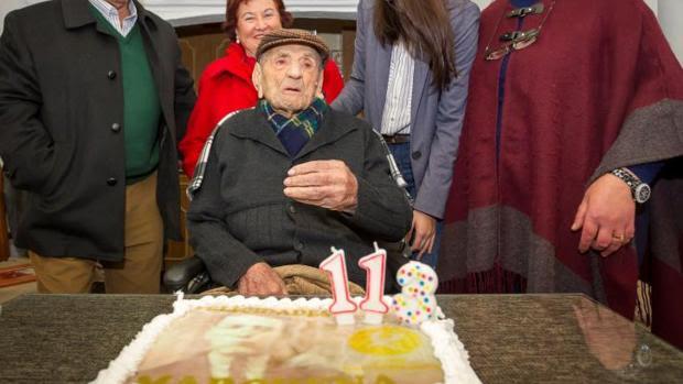El extremeño Francisco Núñez Olivera, el hombre más longevo del mundo y el veterano de guerra con mayor edad en España, fue nombrado Hijo Predilecto de Bienvenida coincidiendo con su 113 cumpleaños