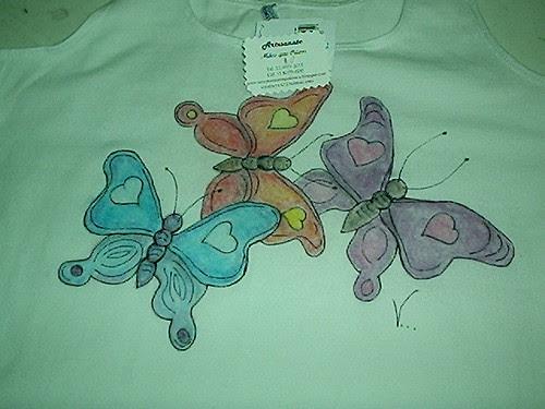 Camiseta pintada com giz de cera by Vera Arte em Giz