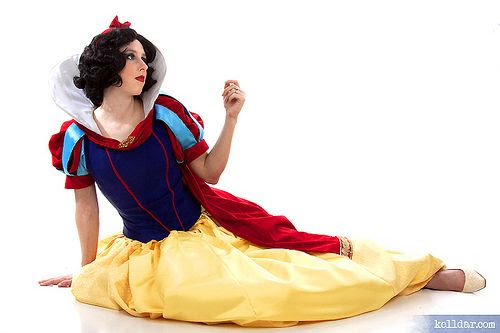 Happily grim disney dress tutorials for not so grownups snow white tutorial kelldar solutioingenieria Image collections