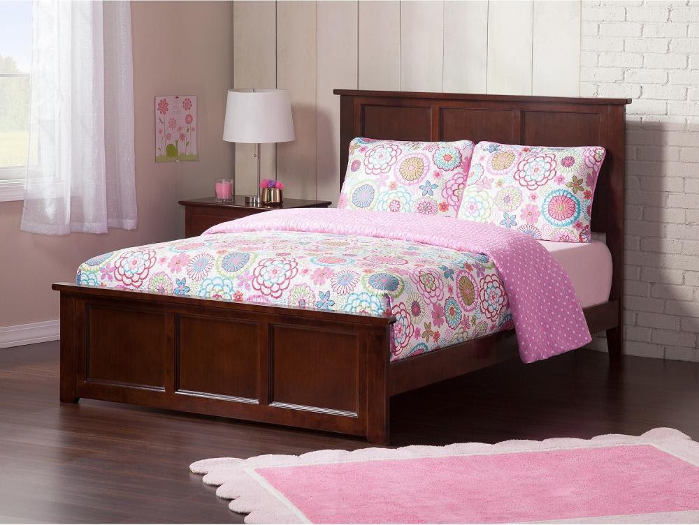 Giường ngủ làm từ gỗ