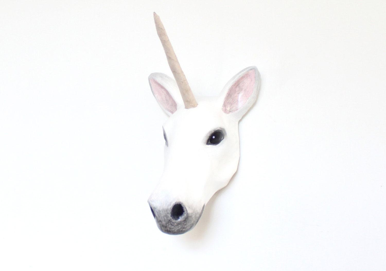 Sculpture tête de papier mâché blanc Licorne mur Mont, accueil, décor de crèche, salle de jeux ou couloir