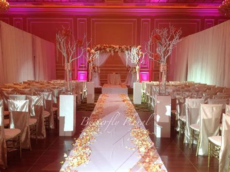 Chuppah coral wedding ceremony decor Keywords: #weddings #